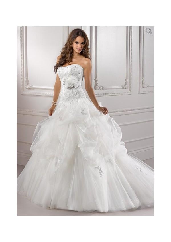 ... en satin à la taille fermeture en lacet dans le dos robe de mariée